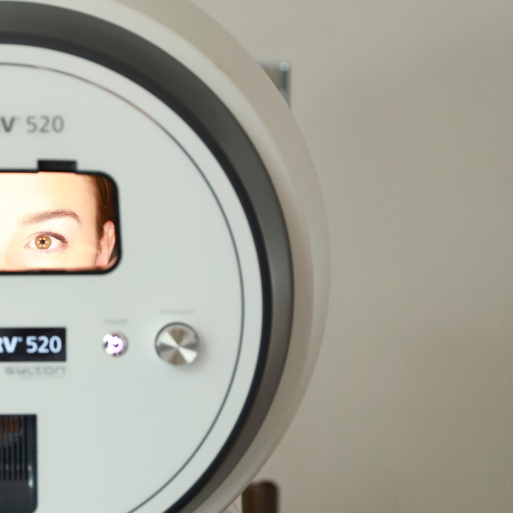 OBSERV - The OBSERV exposes those conditions by using a patented skin fluorescence and polarised light illumination technology that the naked eye cannot see. Click here for more information about our diagnostic tool.