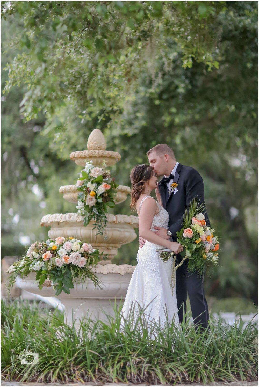Rustic, Elegant Barn Wedding in Tampa_0009.jpg