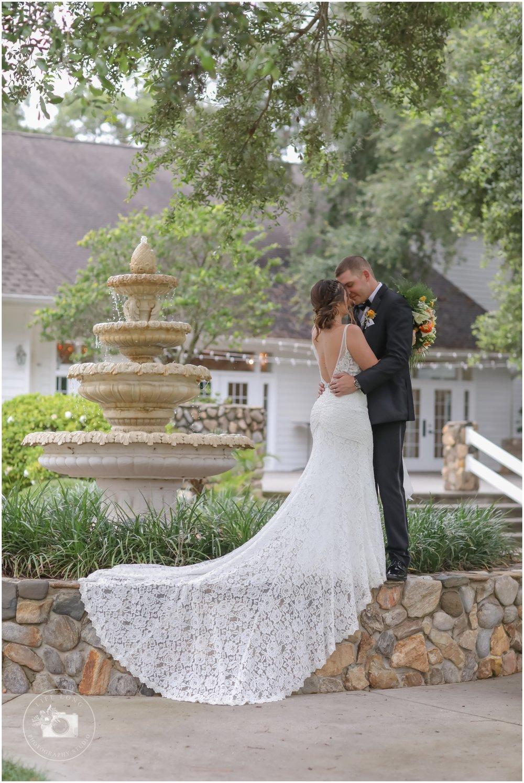 Rustic, Elegant Barn Wedding in Tampa_0012.jpg