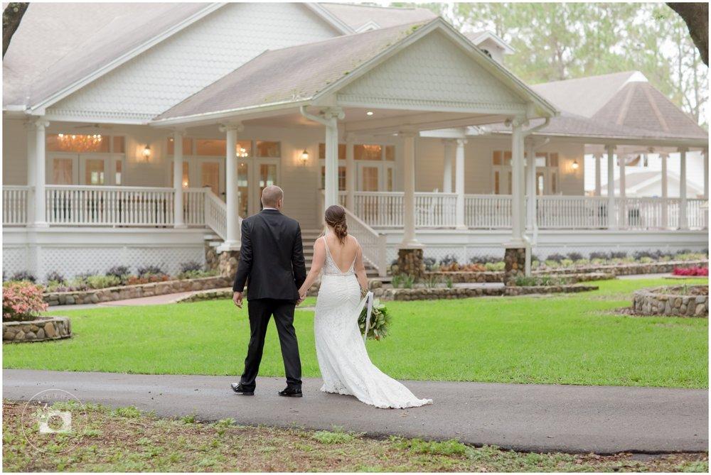Rustic, Elegant Barn Wedding in Tampa_0024.jpg