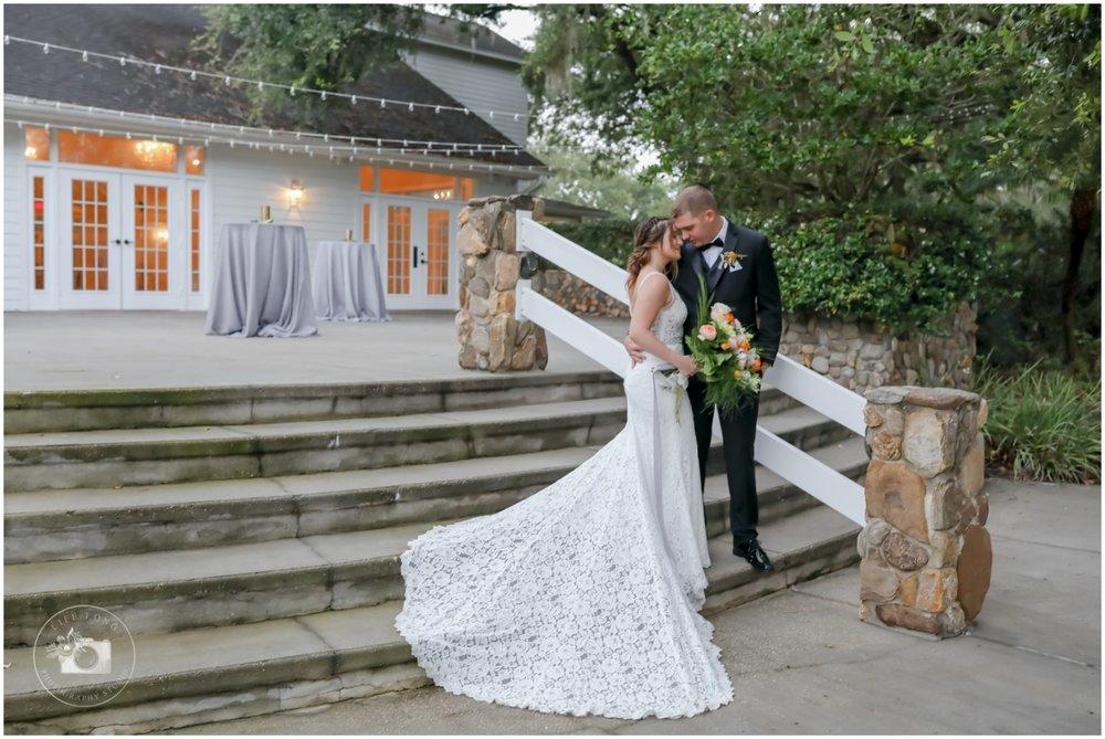 Rustic, Elegant Barn Wedding in Tampa_0028.jpg