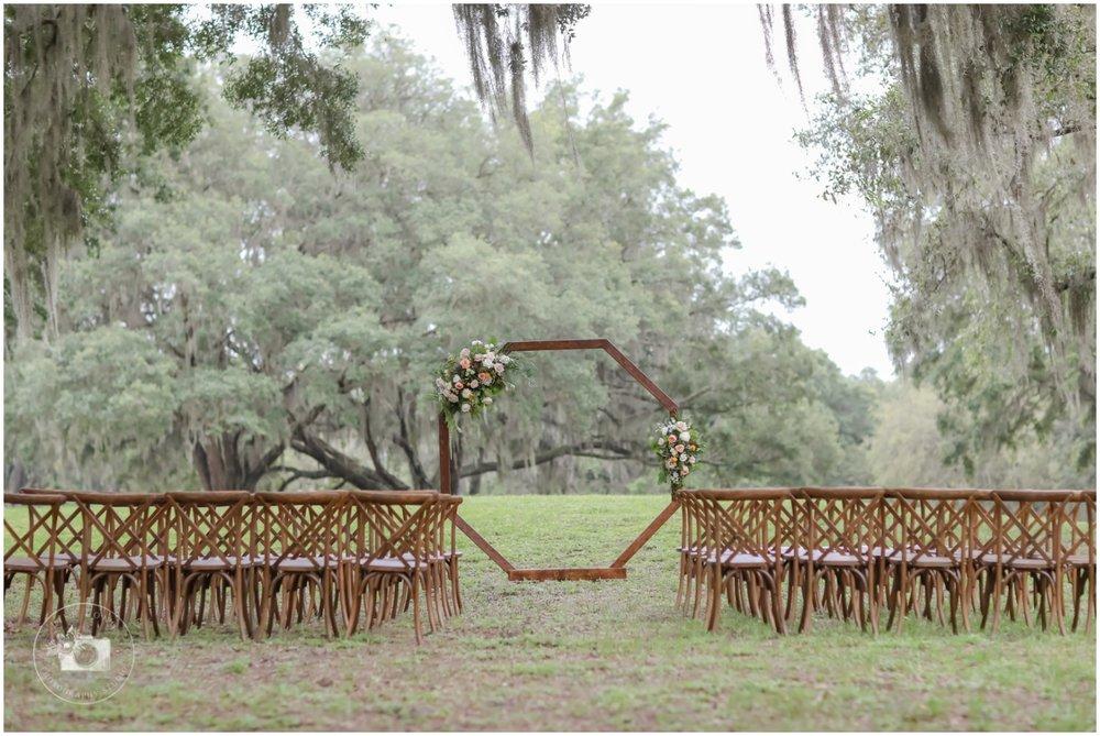 Rustic, Elegant Barn Wedding in Tampa_0048.jpg