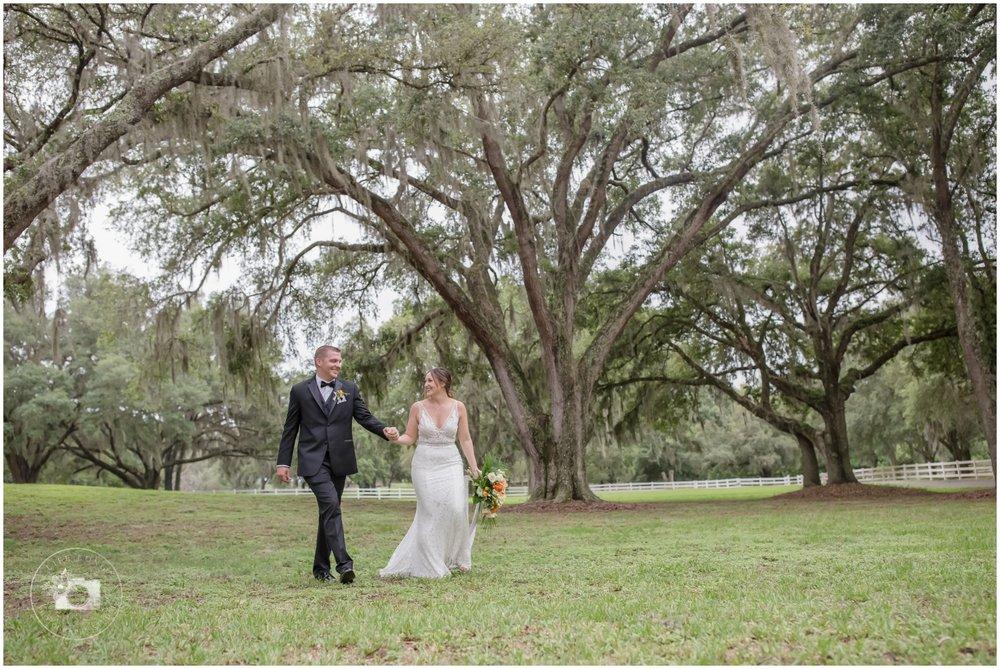 Rustic, Elegant Barn Wedding in Tampa_0051.jpg