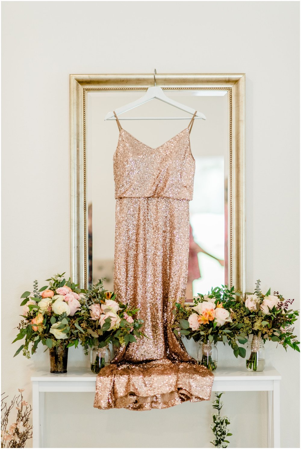 Bridesmaids dress and bouquets