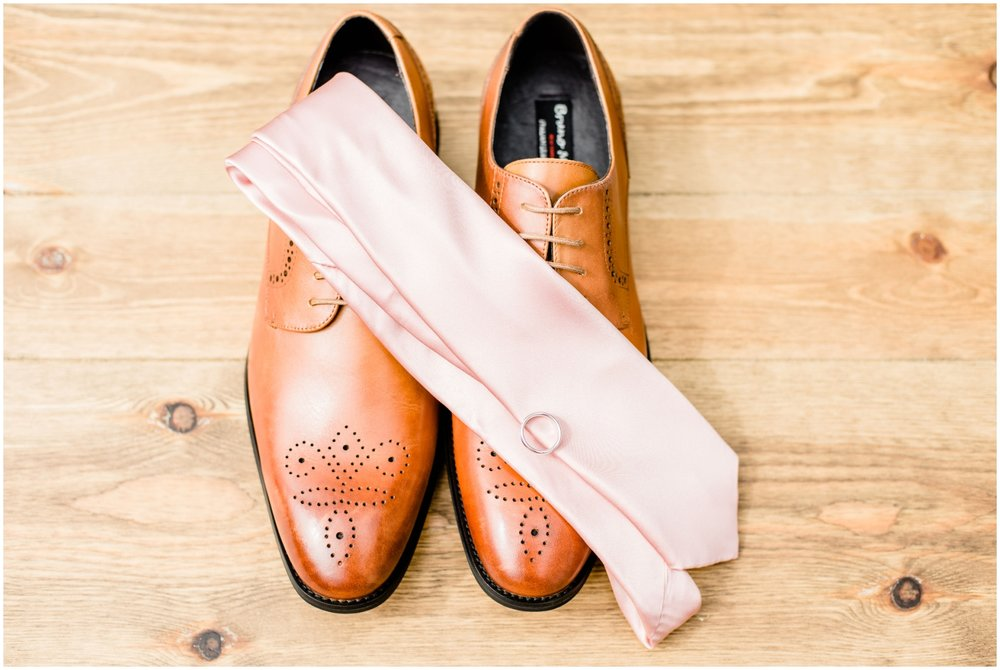 Groom's shoes and accessories