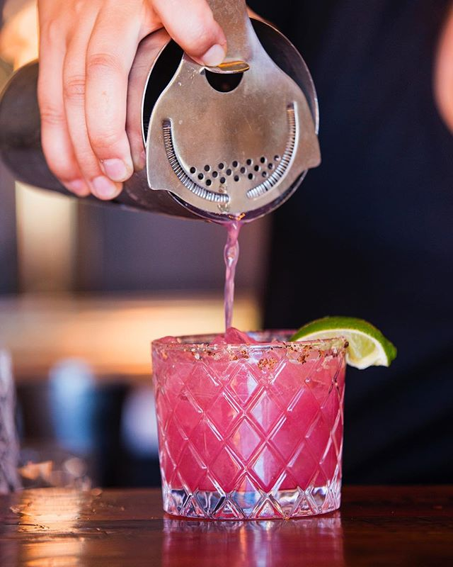 Our Fiery Run Margarita will make you feel like it's summer again 🔥 House-infused spicy tequila, @wildroots_apothecary rosehip hibiscus syrup, fresh squeezed juices and a looot of summery thoughts. 📸: @mollympetersonphotographer