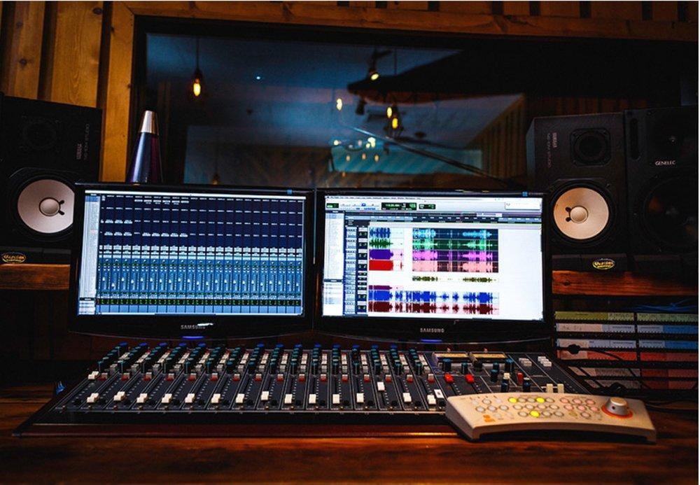 Studio A - Dubbed