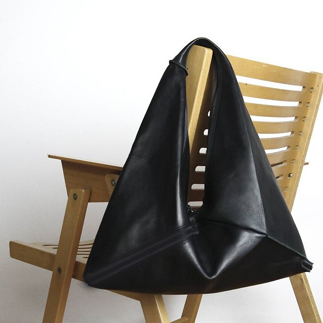 INSPIRE | Black Market bag + Rex chair by Niko Kralj, talking about light, foldable, useful and stylish objects.