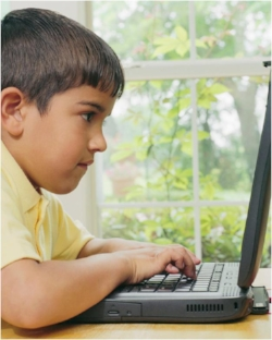 Boy receives speech-language therapy at Canto Speech Therapy Online