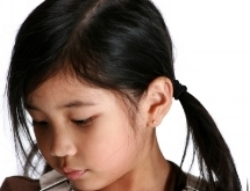 Non-talking little girl; treat phonological disorders and articulation disorders at Canto Speech Therapy Online