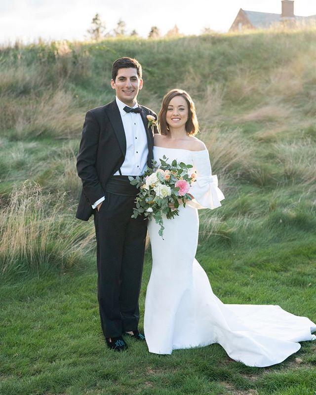 Ok how stunning is this couple. I loved working with them. They reflect pure love! I can't get enough of there photos. Photo credit @jennymoloneyweddings Flowers @lesfleursandover Dress @carolinaherrera  Venue @Essex country club