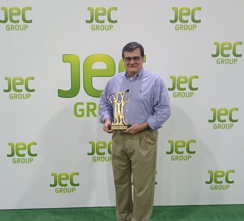 BOB SCHARTOW WITH FLEXSYS' JEC INNOVATION AWARD