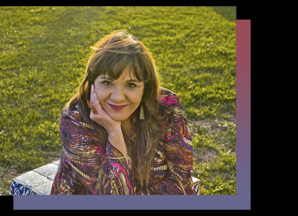 ¡Hola! Soy Martha - Psicoterapeuta, tallerista y emprendedora. Dedicada a empoderar a las mujeres a través del re-descubrimiento de su persona. Te invito a conocerte, descubrirte, activarte y empoderarte al interior.