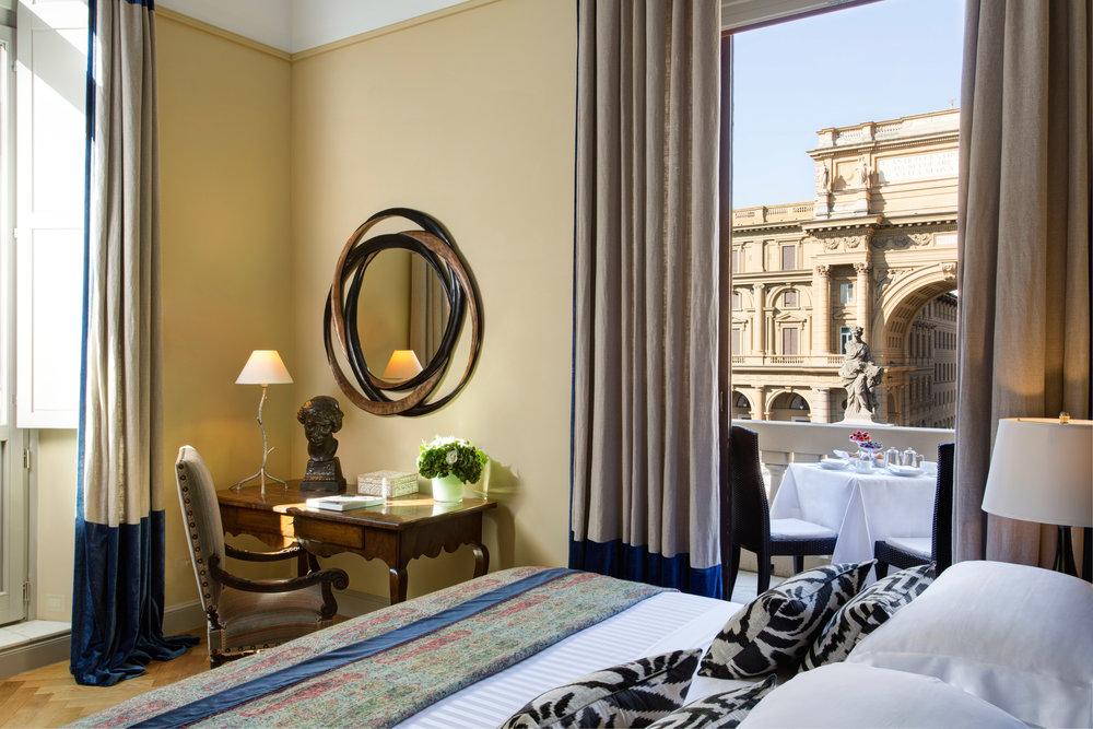 4 RFH Hotel Savoy - Repubblica Suite 5MB-3507 JG Oct 16.JPG