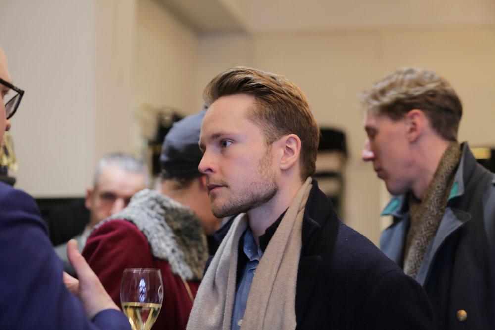 Style enthusiast Jesper Brännström in a conversation with Götrich manager Jussi Häkkinen.