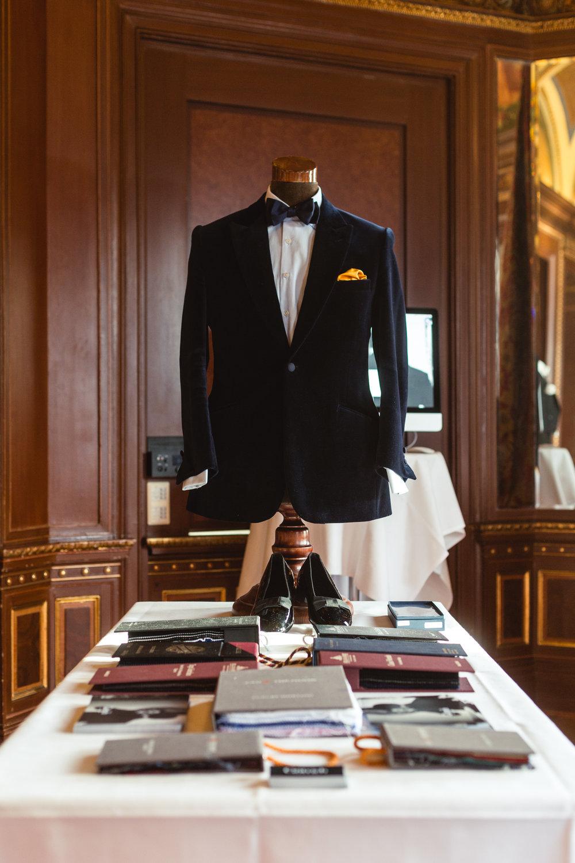 Black Tie -
