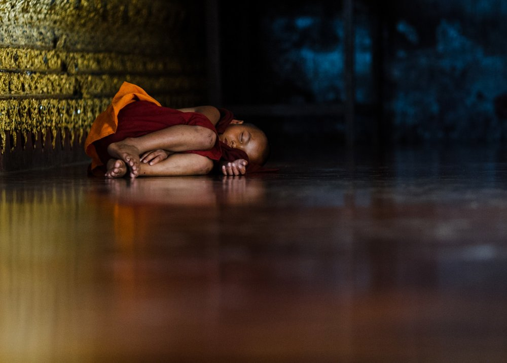 burma-myanmar-monk-travel-photographer-cameron-zegers.jpg