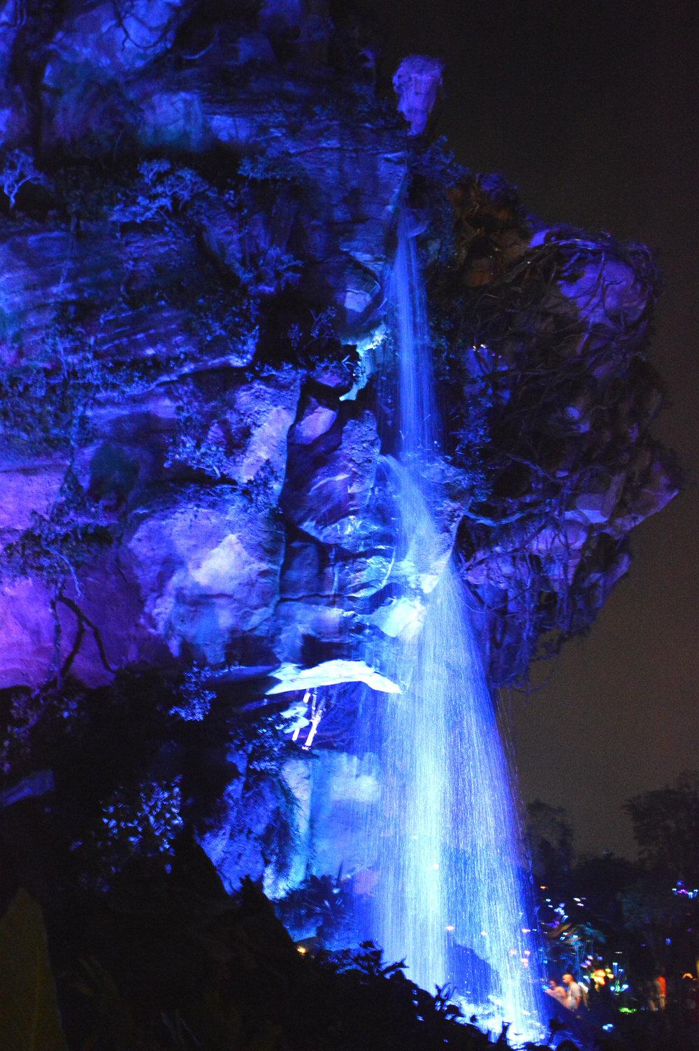 pandoranightwaterfall.jpg