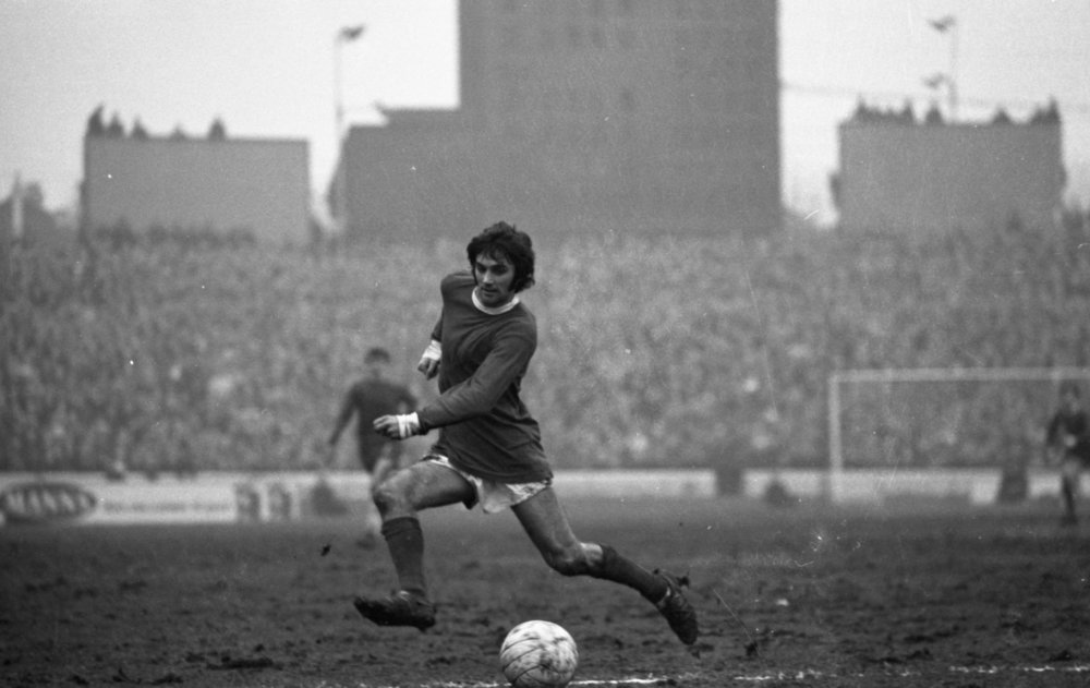 George Best playing for Manchester United against Chelsea FC, in the Football League Division 1, at Stamford Bridge London on 15th March 1969. (Photo by Ian McLennan/Getty Images)