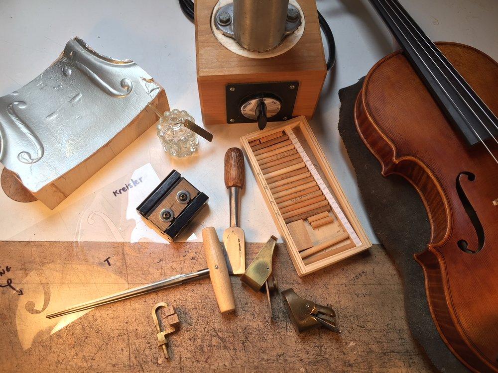 violinmaker.JPG