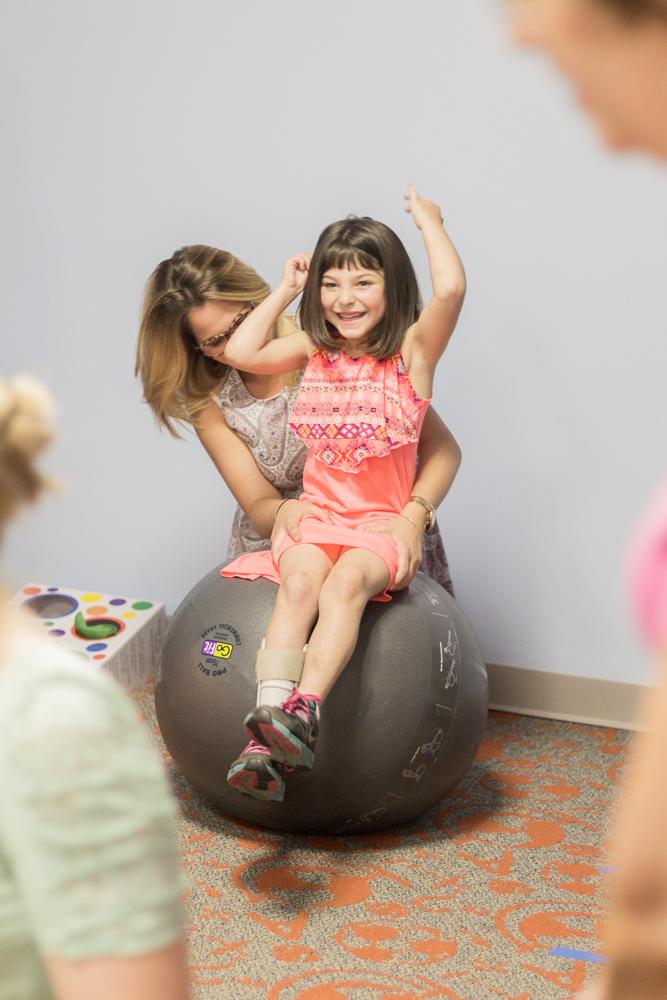 Pediatric Rehab-Pennsylvania Photogtaphy-Lytle Photo Company - Jeannie Lytle (18).jpg