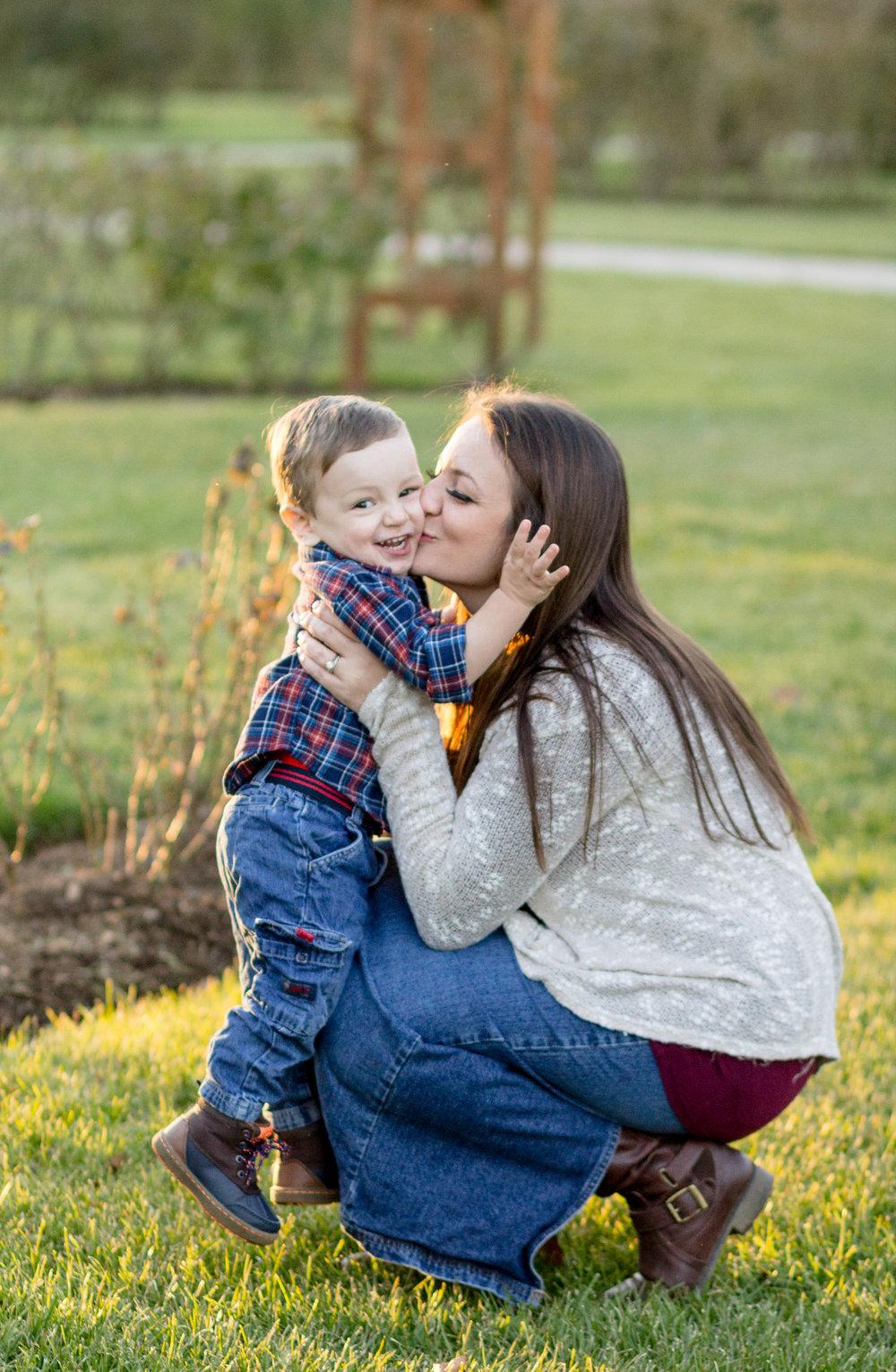Allentown-rose-garden-lytle-photo-co-family-session (25).jpg