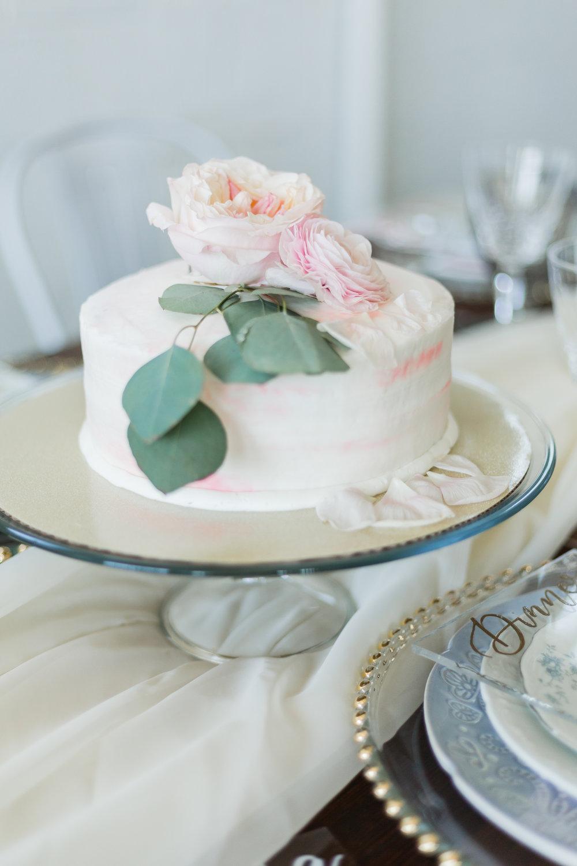 elegant blush and dusty blue wedding minimal cake lytle photo co lehigh valley wedding inspiration