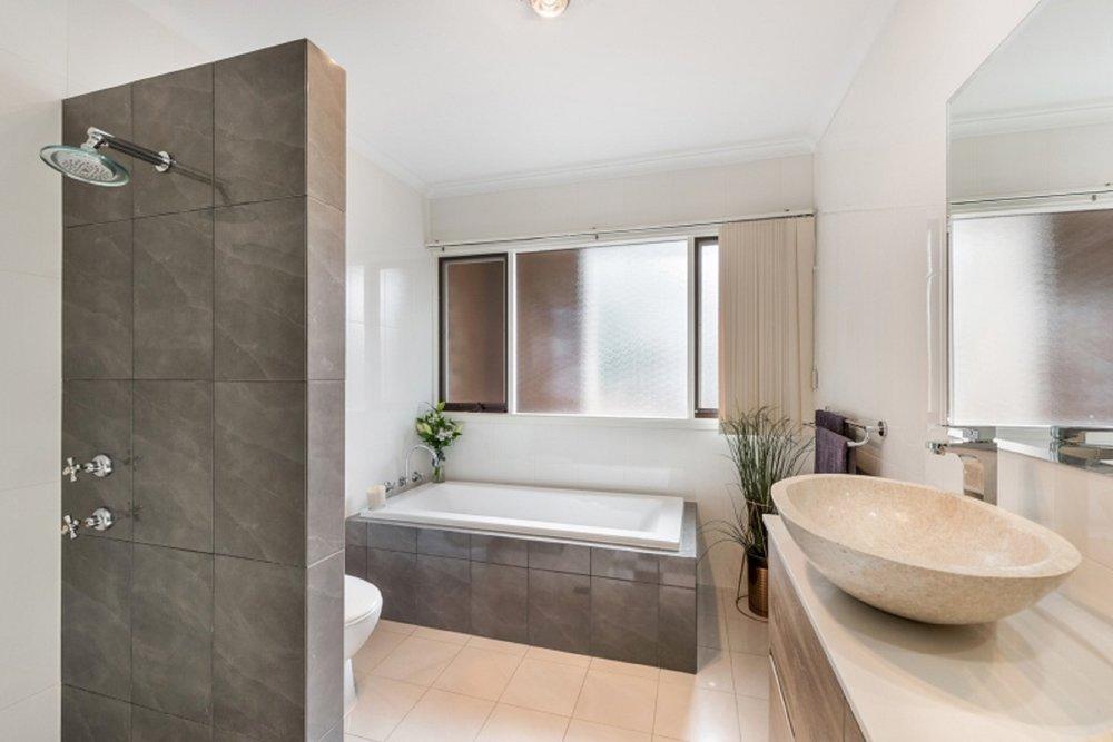 Bathroom resiz.jpg