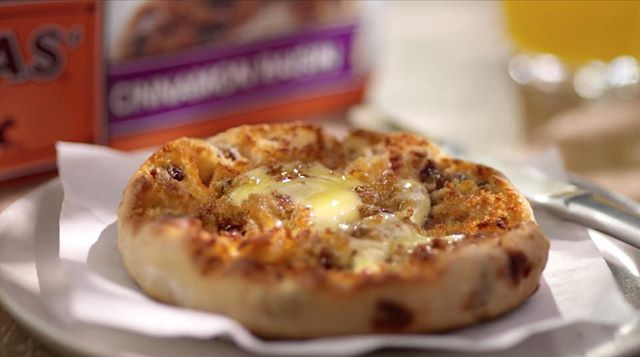 The classic, the delicious, cinnamon raisin with melted butter. Here's another one from Todd Klein's production for Thomas' English Muffins. . . . . . . #commercialdirector #tabletop #liveaction#bigdeahlproductions#commercialproductions #creativeagencies#foodstylist #production #Videos#VideoProduction #Viral #ViralVideos#Production #LosAngeles #Commercials#bigdeahl #entertainment #creative #food#director  #artdirector#creativedirector #tasty #delicious#breakfast #cook #englishmuffins #thomasenglishmuffins