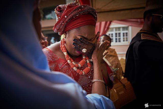 ・・・ Wedding Moments Emotions running high… Team: @gregpeter1  @festyproduction •••• • #wedding #weddingphotographer #weddingportrait #bridesmaids  #bride #bridalportrait #nigerianwedding #portraitpage  #naijaweddings #stiksphoto