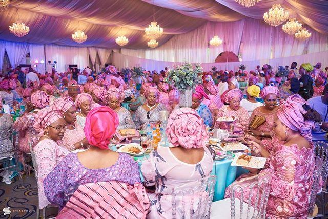#MU2018 Moments The Sea of Pink!! Vibrant Colours and Culture •••• Team :@oluwafemi_stephens @gregpeter1 @princessdawnba5e ••••• #portraitpage #portrait #weddingdocumentary  #weddingdigestnaija  #moments #weddingportraits #bridals #artofvisuals #portraitgames #portraitmood #naijaweddings #weddingdiaries  #stiksphoto