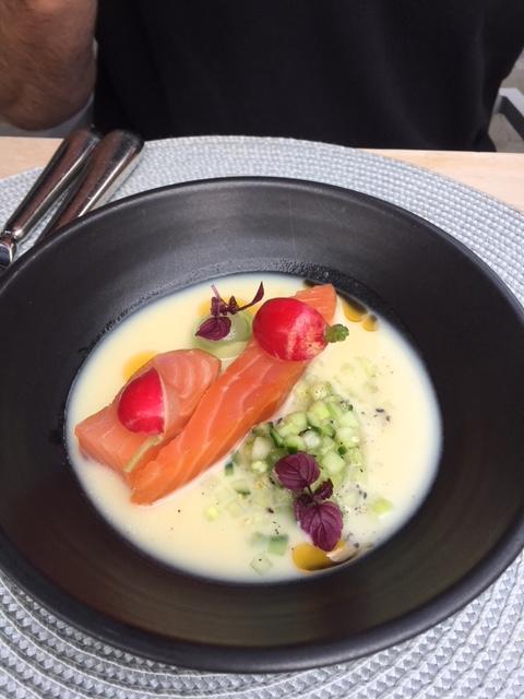 plato pescado salmon saumon restaurant belgique.JPG