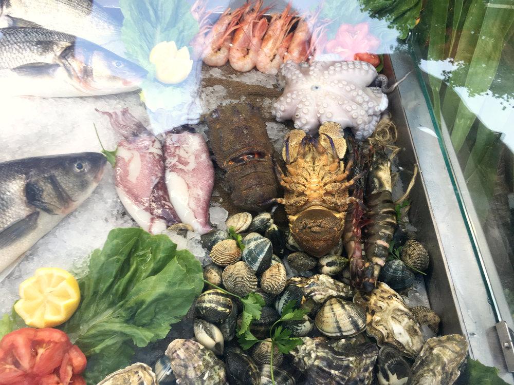 pescado mar crete poisson mer crete restaurante agios nikolaos.jpg