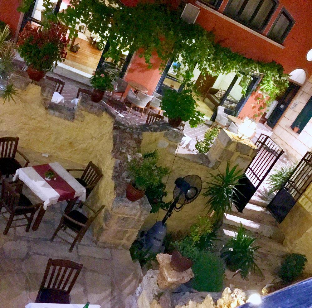 restaurante creta chania noche crete viaje vlog.jpg