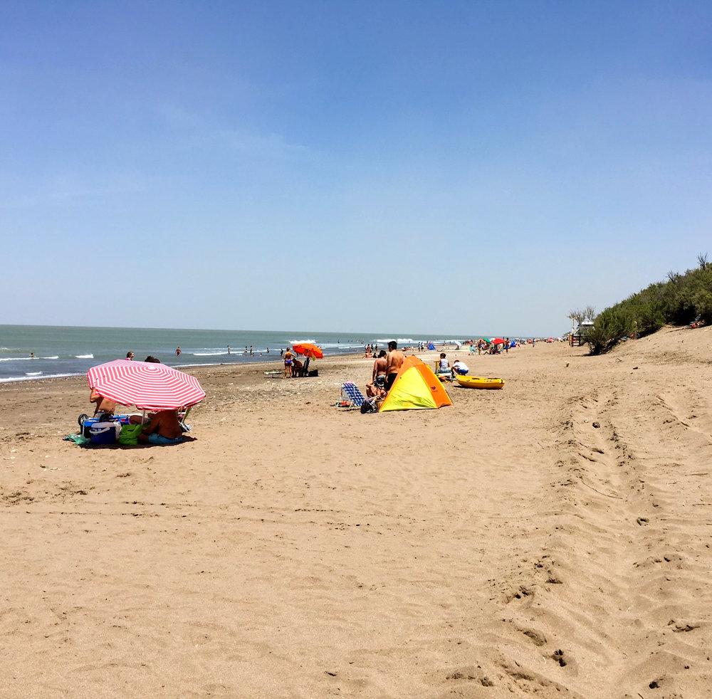 playa argentina pehuen co vacaciones.jpg