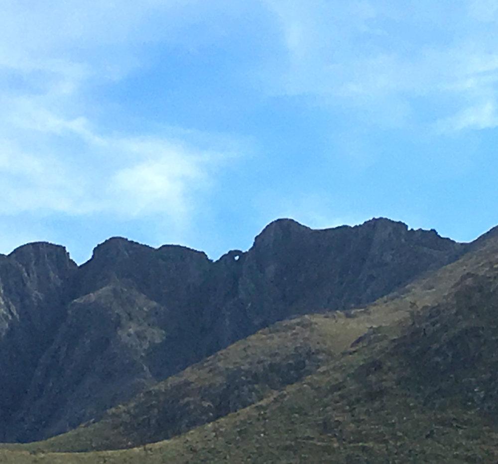 ventana sierra montañas nombre.jpg