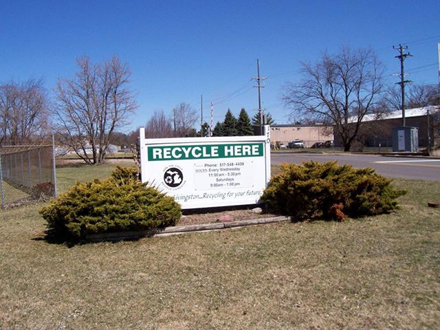 Recycle Here! • • •  #recyclelivingston #gogreen #recycle #michigan #howellmi #livingstoncounty