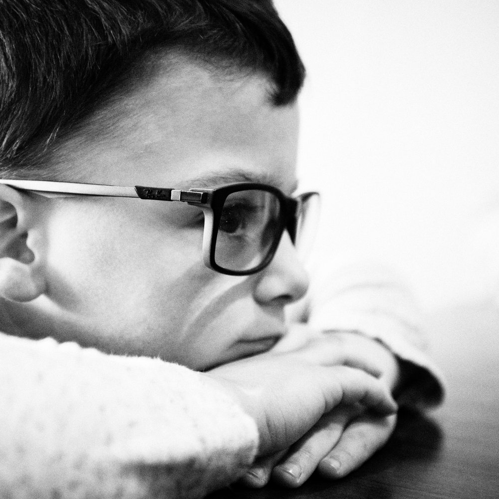 Hard in thought. #canon5dmarkiv #family #koftwentytwo #kids #daddysglasses