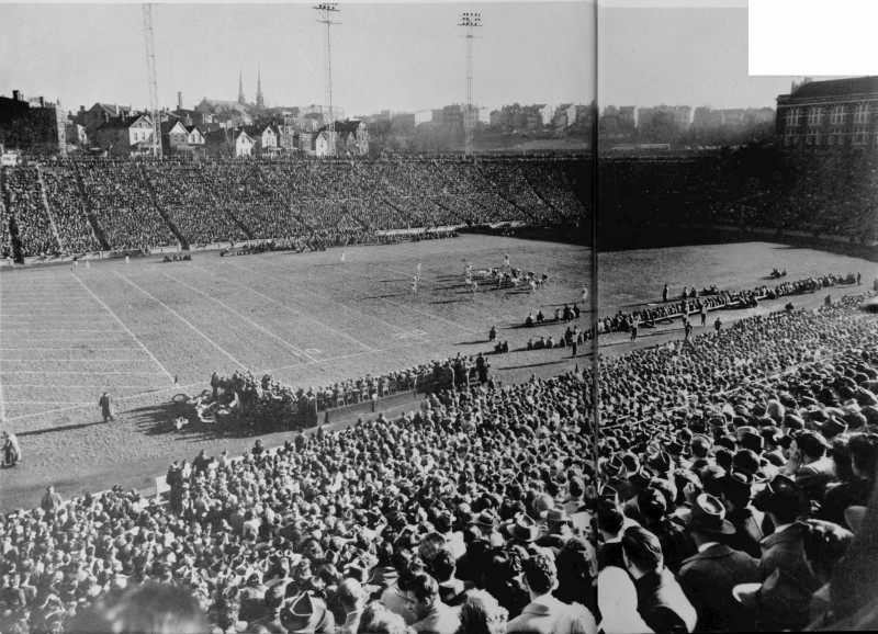 28–30,000 fans pile into Nippert Stadium on Thanksgiving Day, 1946 (UC Libraries)