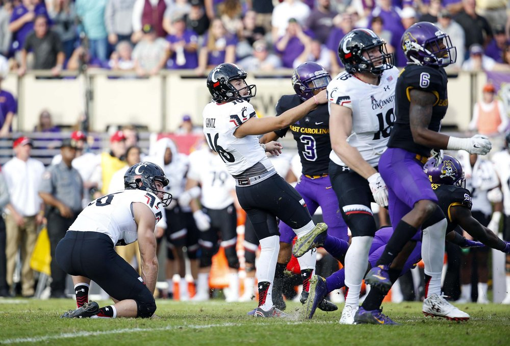 Andrew Gantz connects on a game-winning field goal in the 2015 matchup between UC and ECU. (USATSI)