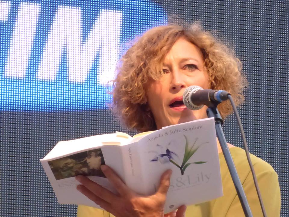 Angela Scipioni reading from Iris & Lily at the Festival della Communicazione in Camogli, Italy.