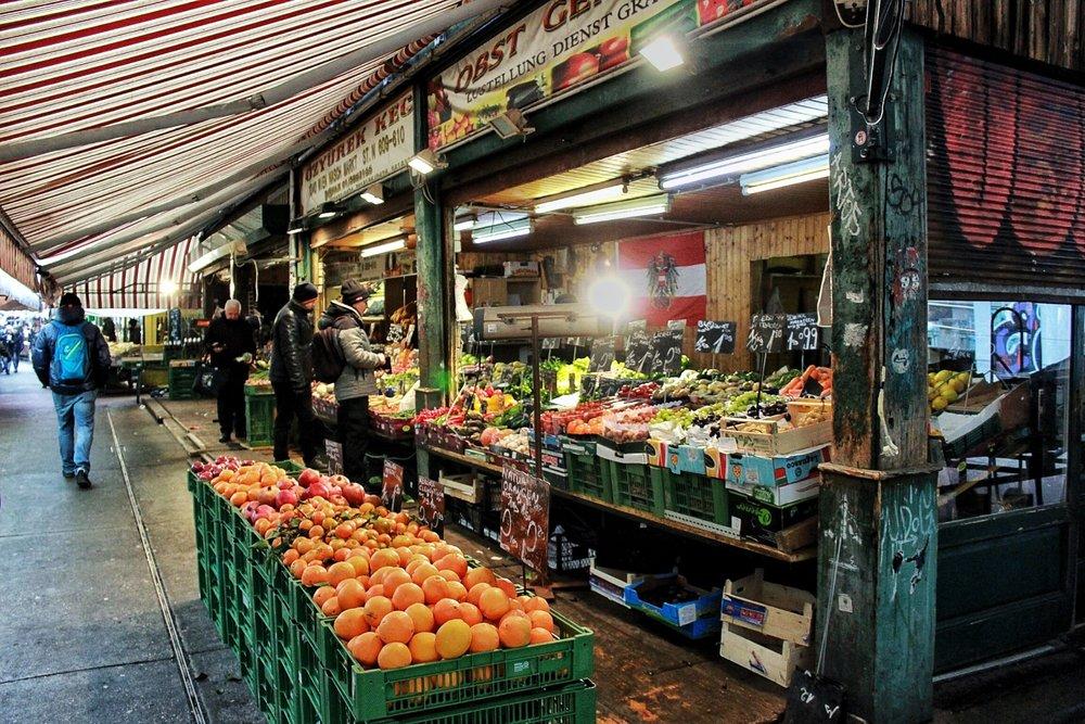 lifesthayle-vienna-naschmarkt-fruits.JPG
