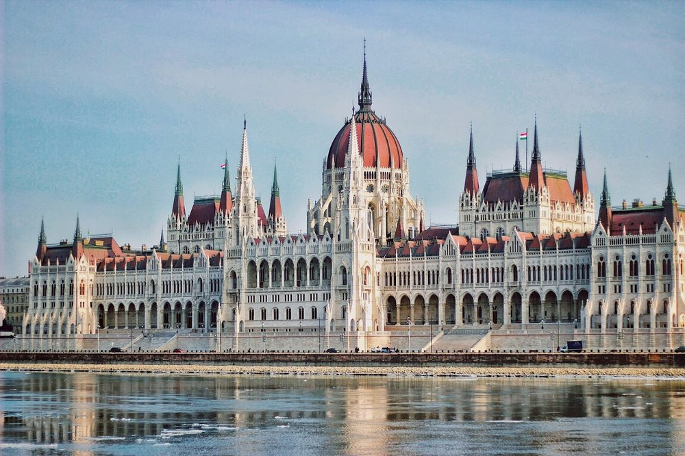 lifesthayle-budapest-hungarian-parliament-details.jpg