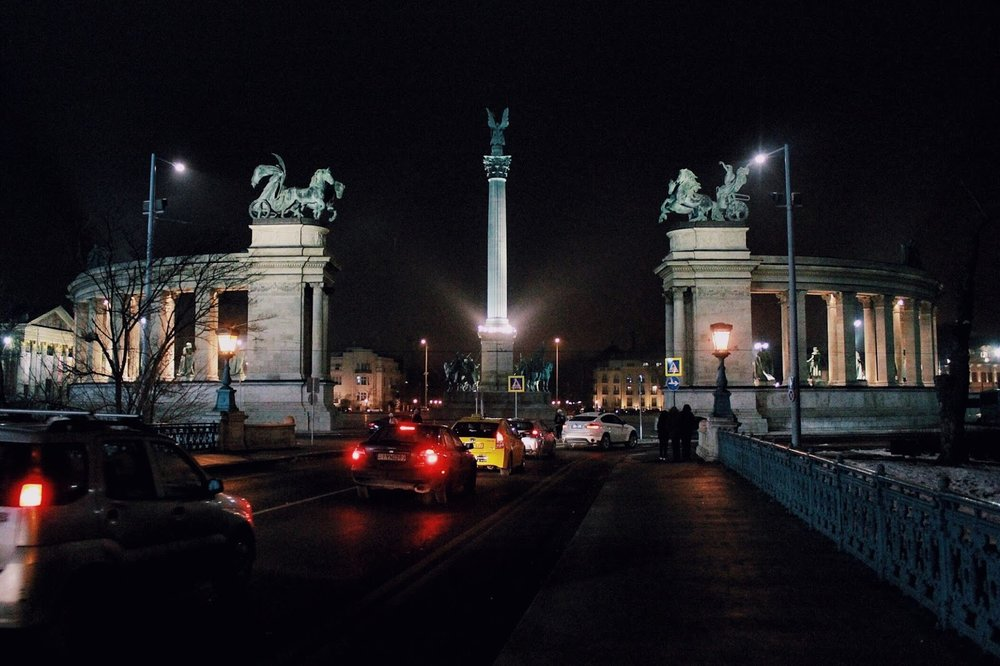 lifesthayle-budapest-heroes-square.jpg