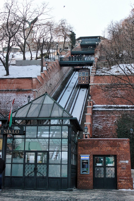 lifesthayle-budapest-buda-castle-hill-funicular.JPG