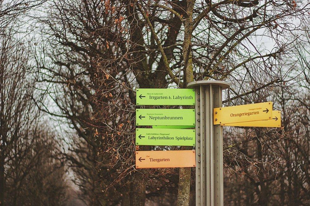 lifesthayle-vienna-schonbrunn-signs.jpg