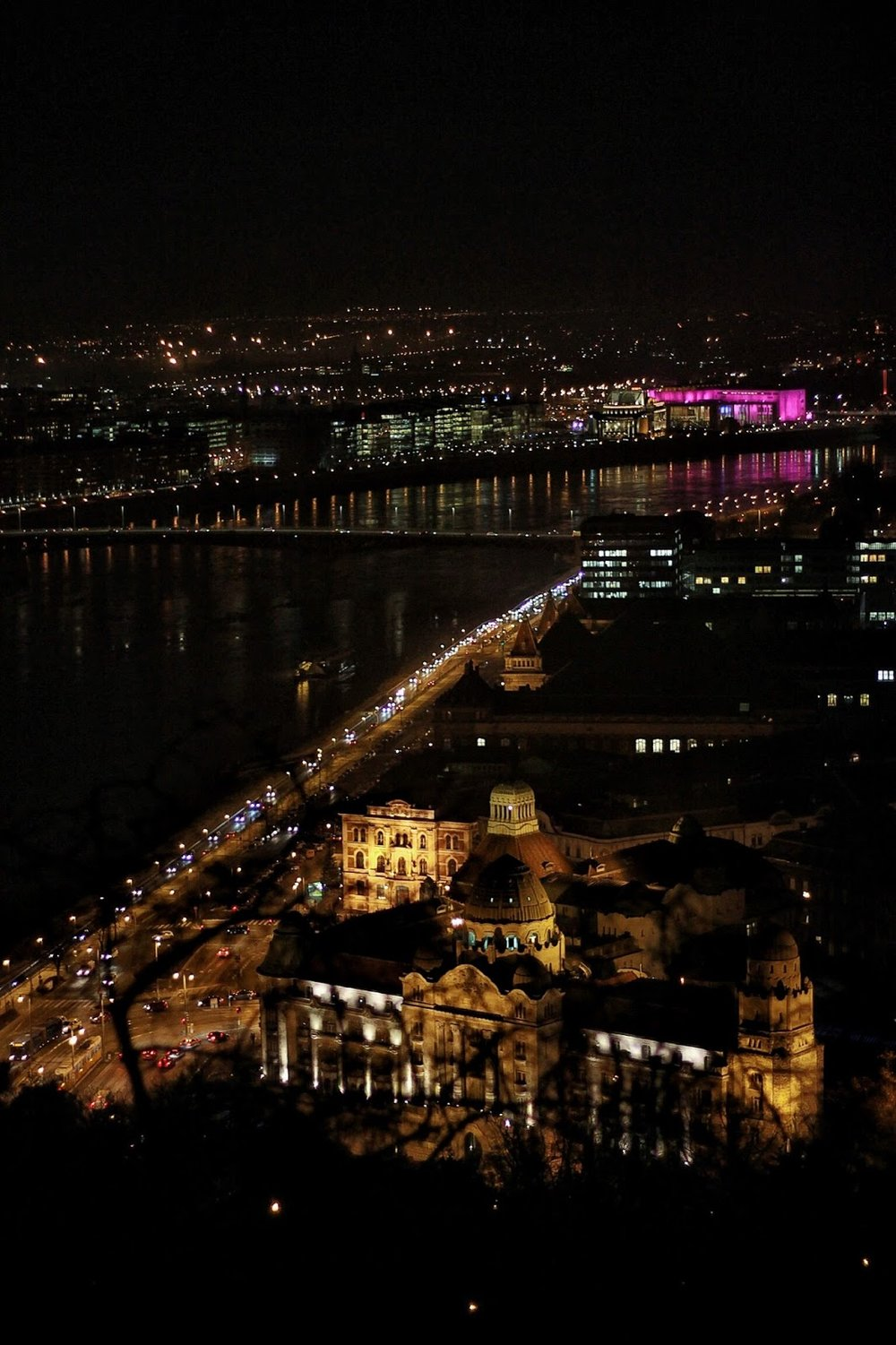 lifesthayle-budapest-citadella-view-at-night.JPG