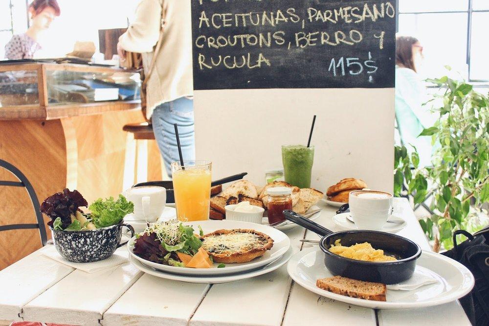 lifesthayle-mendoza-gastronomia-brod-brunch-mesa.JPG