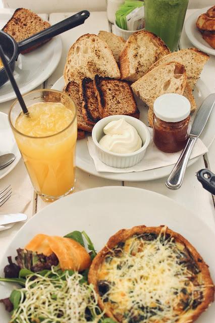 lifesthayle-mendoza-gastronomia-brod-brunch-tostadas-quiche.JPG