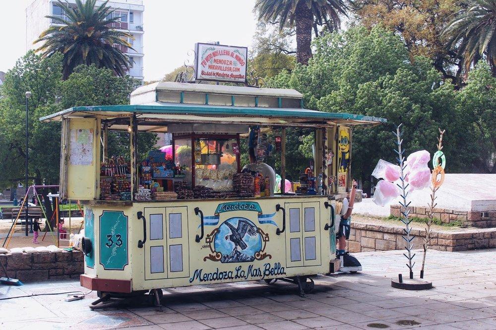 lifesthayle-mendoza-plaza-independencia-kiosko1.JPG